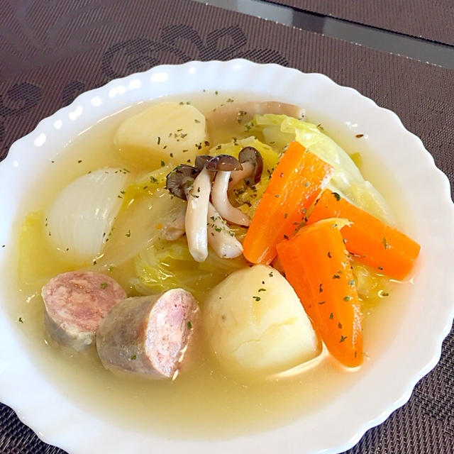 春野菜とサルシッチャのポトフ