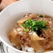 とろみがごはんに絡む♪「ひき肉×あんかけ」のおすすめ丼レシピ