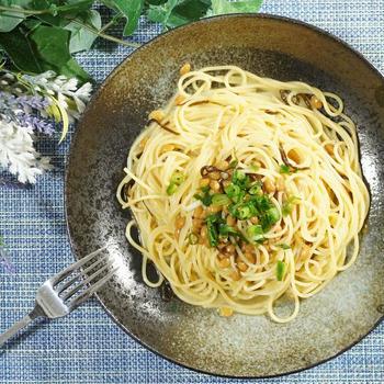 フライパンなしで楽うま!納豆と塩昆布の和風パスタの作り方・レシピ