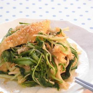 サラダや鍋以外でもおいしさ発見!水菜の炒め物レシピ