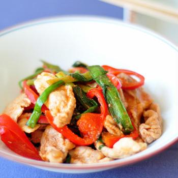 【授かるベーシックレシピ】コチュジャンで本格的!豚肉の韓国風炒め
