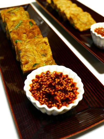 スパイシーたれにつけていただく♪小ねぎにさきいかに小エビもたっぷり☆にんにくの芽とあさりのチヂミ -Chijimi with split asari clams and garlic shoot served with spicy sauce- -Recipe No.1394-