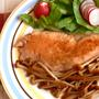 秋鮭のムニエル:ブラウンえのきのバターしょうゆソース