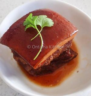東坡肉 トンポーロウ ( Dong Po Rou/ Braised Pork Belly)
