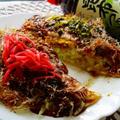 一度で2度美味しい!ピリ辛高菜&紅生姜のせ焼きお好み焼き