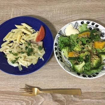 ヨシケイの食材宅配で豚ロースのマスタードクリームソースとキヌアとかぼちゃのサラダを作ってみた
