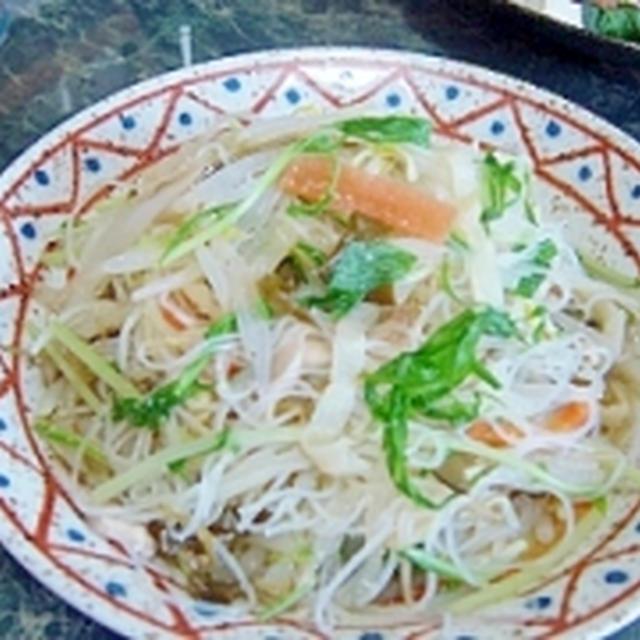 さっぱり中華★めかぶとクラゲと春雨のサラダ