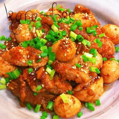 簡単激ウマ♡鶏とうずらと白滝のピリ辛ゴマ味噌炒め