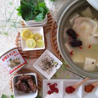 創味シャンタンで参鶏湯鍋