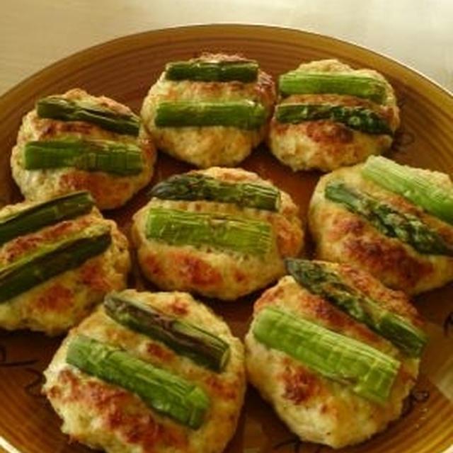 福島県産アスパラガスで♪アスパラチキンハンバーグ♪白ごまパン♪