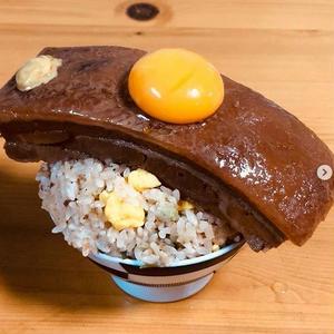 のせるが正義!おいしそう感がアップする黄金の「#卵黄」お料理フォト