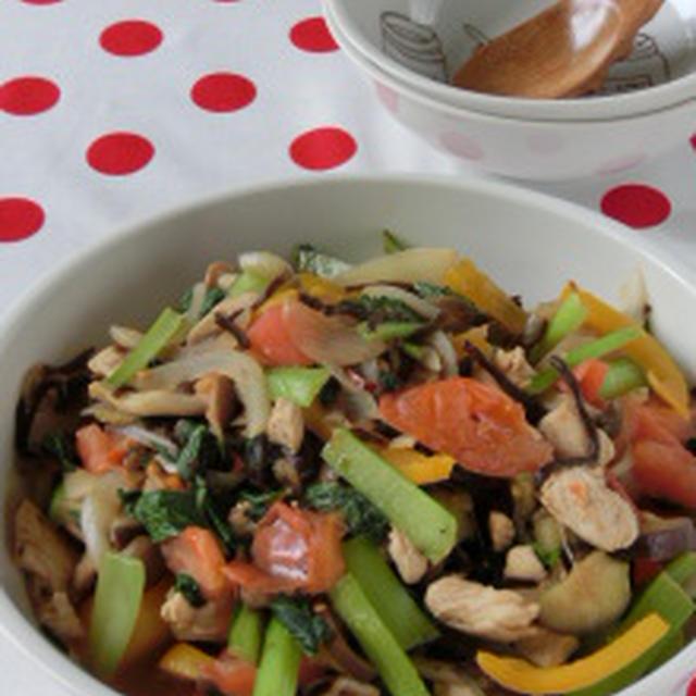 カラフル野菜で元気に☆彩り野菜と鶏ささみのピリ辛塩コンブ炒め