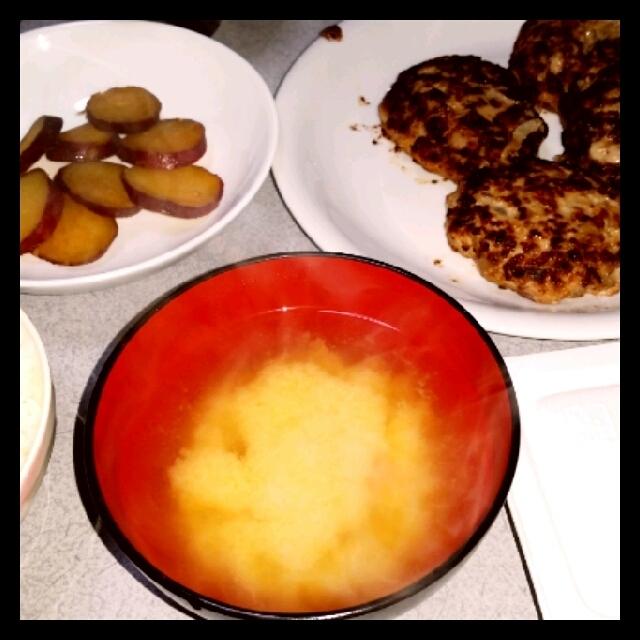 さつまいもの煮物と体に優しいおからハンバーグ206(171)円