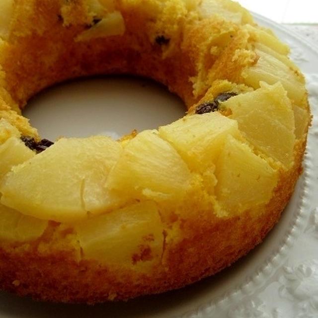 パイン缶のとろ実入り焼きケーキ