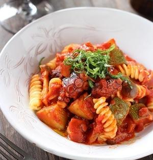 ズッキーニとタコのだしトマトパスタ