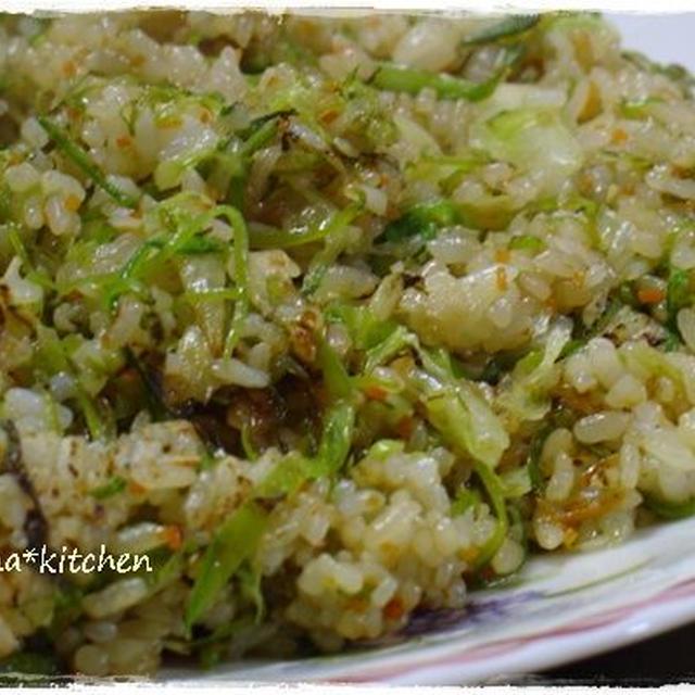 野菜チャーハン♪と、お箸がススムポテトサラダ。