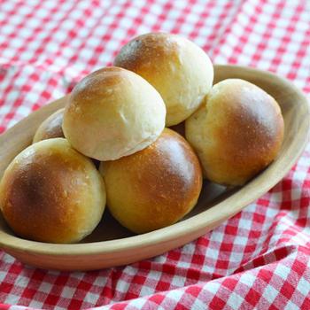 全粒粉入りテーブルパン**