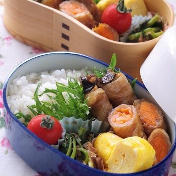 高校生のお弁当(豚肉巻き、鶏肉の八幡巻き、エビフライ他)