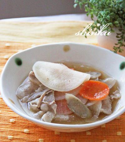 簡単*豚バラ肉とスライス大根・ごぼう・にんじん煮