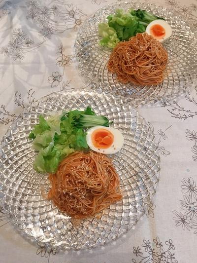 ぴり辛で5月の暑気払い「ビビン麺」。