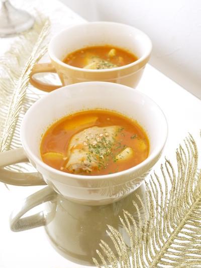 素揚げじゃがいもと鶏手羽の簡単トマトスープ