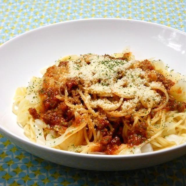 市販のソースに簡単チョイ足し晩ご飯!野菜でかさ増し、たっぷりキャベツのボロネーゼ。