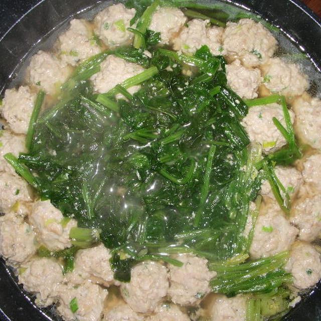 鶏つみれとほうれん草のスープ煮