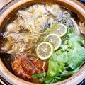 レモングラスとナンプラーでアジアン水餃子レタス鍋。