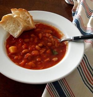 白いんげん豆の簡単トマトシチュー