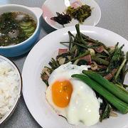 空心菜炒め。麻婆豆腐と茄子田楽