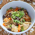 鶏胸肉と栗のオートミール炊き込みご飯【味つけめんつゆダイエットごはん】|レシピ・作り方