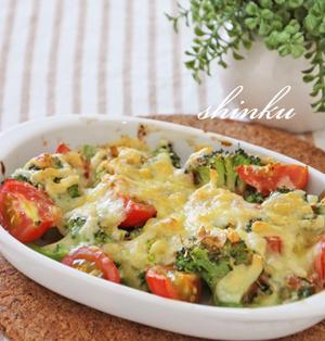 簡単*ブロッコリーとミニトマトのマヨ醤油×おかかチーズ焼き