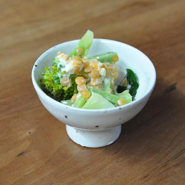 ブロッコリーとレンズ豆のクリームチーズ和え(カレー風味)
