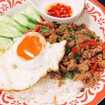 本場、タイのガパオライスの作り方・タイ料理