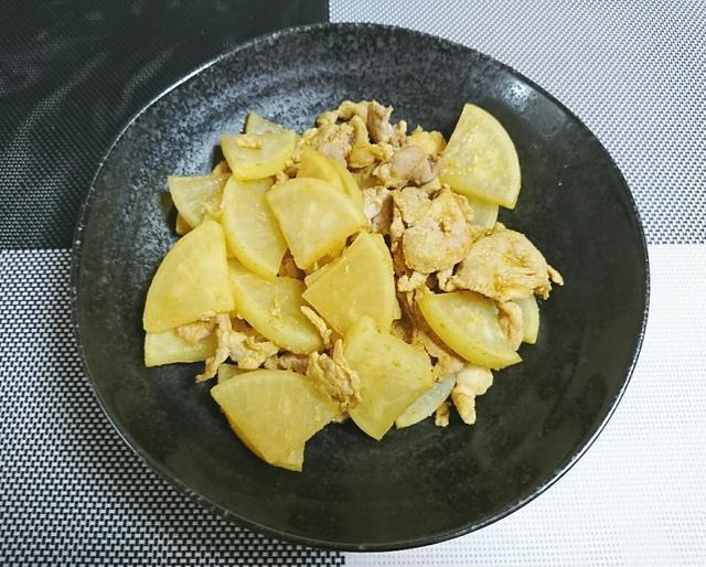 簡単レシピ!大根と豚肉のカレー炒め