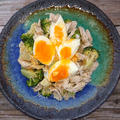 ブロッコリーとササミと半熟卵のごまドレッシング和え(ダイエット、筋肉)