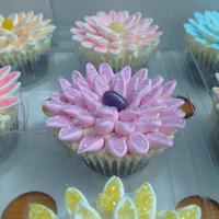 マシュマロで簡単可愛い♥カップケーキ