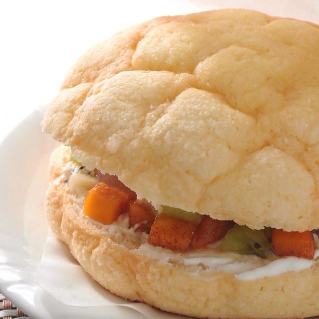 魅惑のフルーツサンドイッチ ~ メロンパンで作るスイーツバーガー