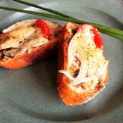新玉ねぎのチーズトースト〜黒胡椒風味