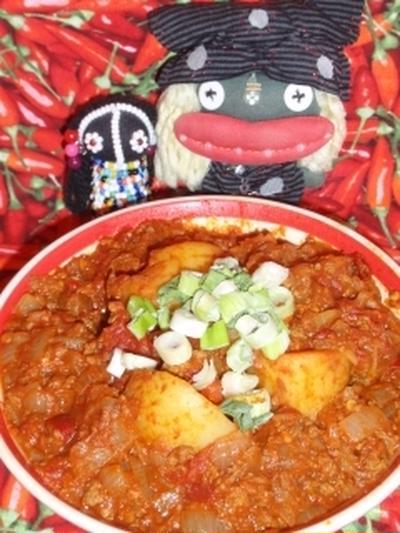 ジャガ芋と挽き肉のXO醤カレー&蓮根のマヨきんぴら(お家カフェ)