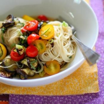 紫蘇と茄子とトマトのソーメン *Shiso Cold Noodle*
