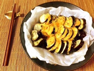 旨みに笑顔。激柔ナスのマヨ豆板醤コンソメチーズ焼き(糖質5.3g)