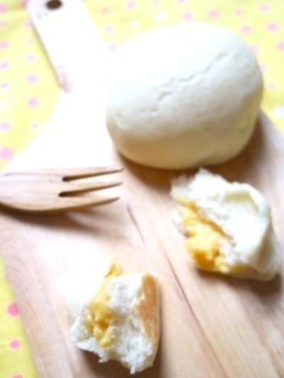 ふわふわ!白パン(クリーム入り)