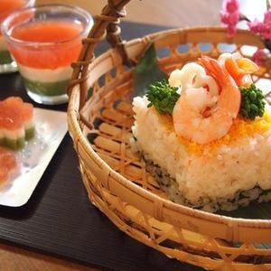 牛乳パックを使って簡単!華やか!ひな祭りは手作りお寿司でおもてなし♪