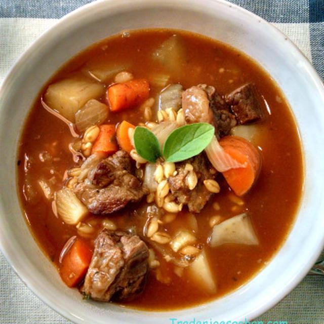 大麦と牛肉の野菜スープ トレーダージョーズのオーガニックオレガノ Beef & Barley  Soup