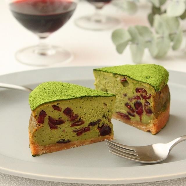 「抹茶とクランベリーのチーズケーキ」cotta連載