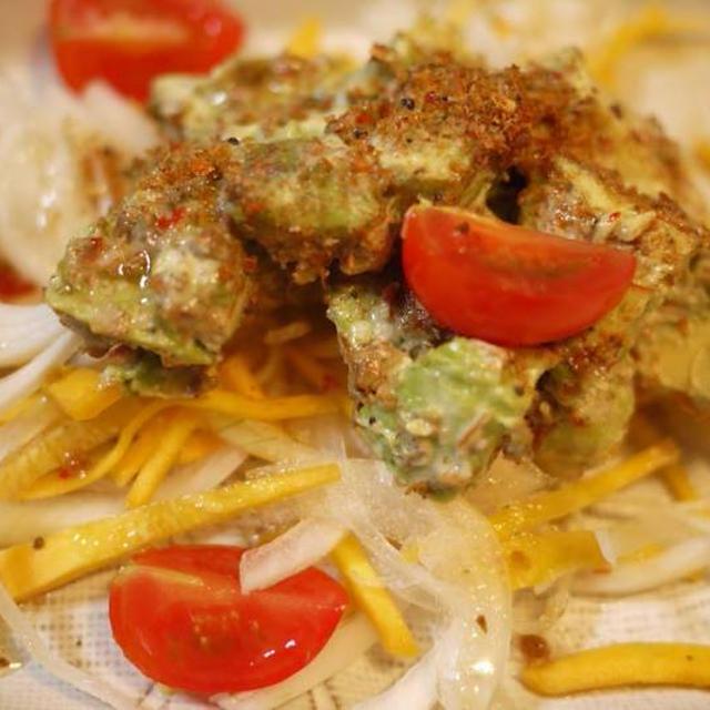 自家製エビふりかけのアボカドサラダ