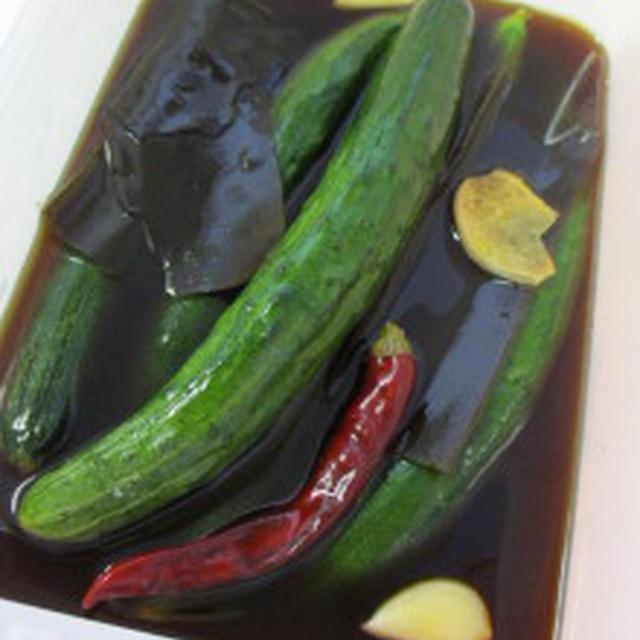 ★キュウリの韓国風甘辛醤油漬け(오이장아찌)。