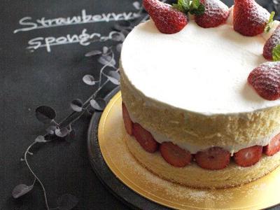 >ラストスパート、いちごのショートケーキ。 by ささきのりこ。さん