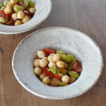 ひよこ豆とプチトマトのサラダ